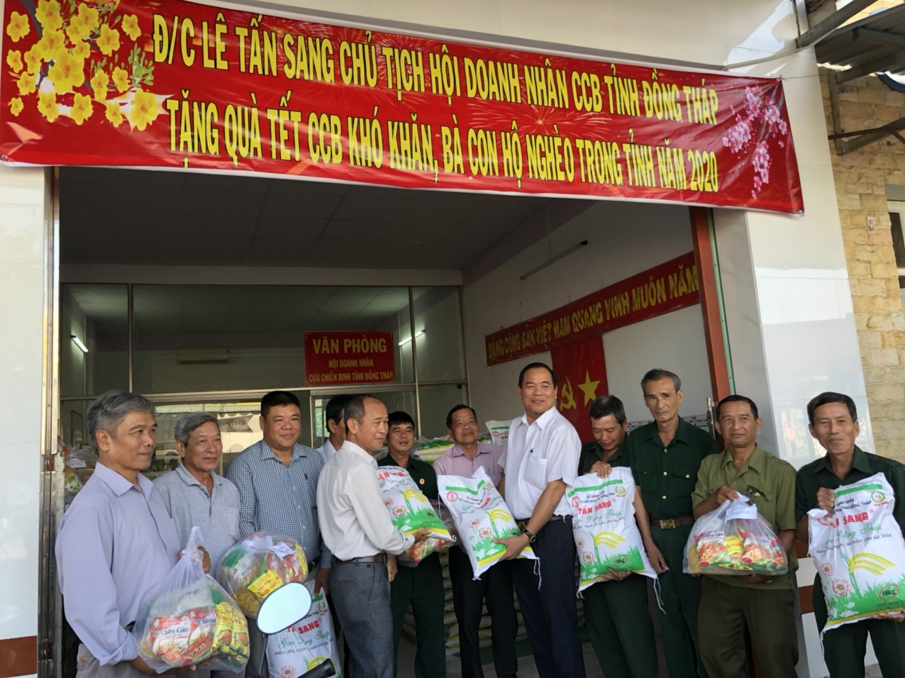 xuan-canh-ty-2020-xuan-yeu-thuong-am-tinh-dong-doi-92